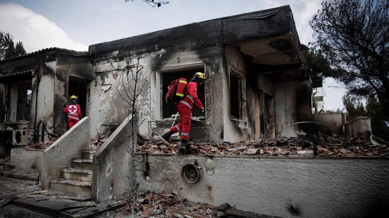 ΕΕΣ   Αποστολή ανθρωπιστικής βοήθειας στους πυρόπληκτους του οικισμού  «Γλυκιά Ζωή» στην Κινέτα Αττικής f4b8198a9f0
